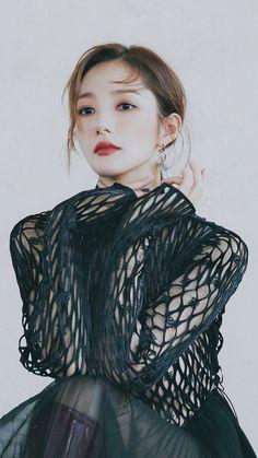 Young Korean Actresses, Korean Actors, Vogue Photoshoot, Photoshoot Ideas, Get Instagram Followers, Song Seung Heon, Park Min Young, Girl Photo Shoots, Park Shin Hye