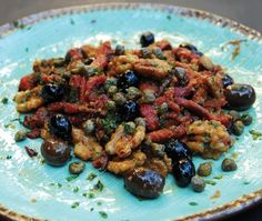 An Italian recipe perfect for fall entertaining. Come Dine With Me, Rabbit Food, Roasted Peppers, Easter Dinner, Serving Plates, Italian Recipes, Whole Food Recipes, Entrees, Side Dishes