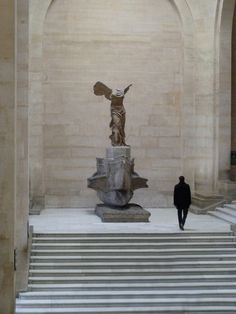 Nike of Samothrace. 2nd century BC marble sculpture of the Greek goddess Nike (Victory). Louvre, Paris.