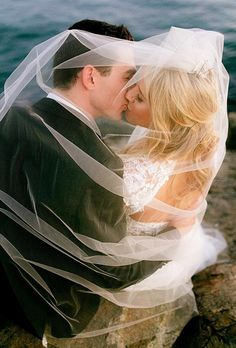 Weddings are all about kissing, but how not to look trivial? This is easy with our creative wedding kiss photos advice. Vintage Wedding Photography, Romantic Wedding Photos, Wedding Photography Styles, Wedding Photography Inspiration, Wedding Inspiration, Wedding Pictures, Wedding Ideas, Beach Pictures, Wedding Details