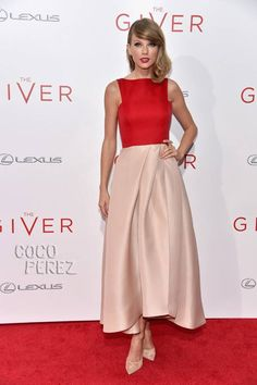 Taylor Swift Gives Gorgeous Glamour At The Giver's New York Premiere!