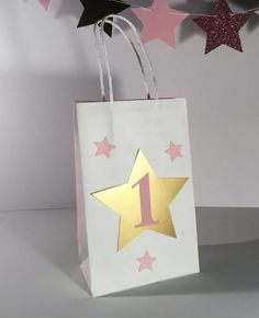 Items similar to Custom Twinkle Twinkle Little Star Party Favor Bag / Birthday / Baby Shower / Pink and Gold/ Silver/ Custome on Etsy 1st Birthday Party For Girls, First Birthday Themes, Baby Girl First Birthday, Birthday Ideas, Twinkle Star Party, Twinkle Twinkle Little Star, One Month Baby, Twins 1st Birthdays, Party Favor Bags