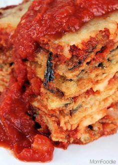 Skinny Eggplant Parmesan Casserole with baked eggplant Veggie Recipes, Great Recipes, Vegetarian Recipes, Favorite Recipes, Vegetarian Pizza, Veggie Food, Carne Asada, Think Food, Love Food