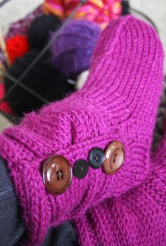 xxxxx Loom Knitting, Fingerless Gloves, Arm Warmers, Slippers, Wool, Crafts, Shoes, Fashion, Fingerless Mitts