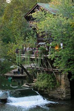 my dream wedding venue, lalumondiere mill & rivergardens.