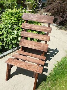DIY upcycled Pallet Chair