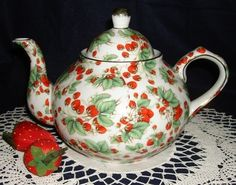 Lets have some Strawberry Tea in the <3 garden