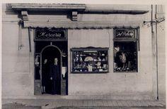 Un antiguo comercio en Vigo. Foto Colección de la Asociación Veciñal de Teis