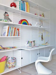 The String work desk is a beautiful and convenient addition to the String System collection – use it together with the 30 cm deep String panels. String System is a flexible shelving system that Swedish architect Nils Strinning designed in Desk Shelves, Wall Mounted Shelves, Hanging Shelves, Bookshelves, White Shelves, Kitchen Shelves, Shelf System, Shelving Systems, Storage Systems