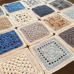 First 16 finished ❄️. I was not sure about this CAL at first, but now i love it.  #vvcal #hekle #heklet #hekling #hekledilla #hekleteppe #crochê #crochet #crocheted #crocheted #crocheting #crochetersofinstagram #crochetaddict #virka #virkat #virkstagram #ganchillo #örgü #grannysquare #dropsgarn