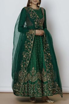 Shop Astha Narang Embroidered Anarkali Set , Exclusive Indian Designer Latest Collections Available at Aza Fashions Indian Gowns Dresses, Indian Fashion Dresses, Dress Indian Style, Indian Designer Outfits, Pakistani Dresses, Pakistani Fashion Party Wear, Pakistani Wedding Outfits, Indian Bridal Outfits, Pakistani Dress Design