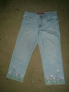 Spring Hippie Beach Embroidered Flower Rhinestone Cropped Capri Denim Shorts 6   #CosmoPolitan #CapriCropped
