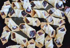 Najprostsze na świecie kruche ciasteczka z marmoladą - Calzonella.com Pie, Desserts, Food, Torte, Tailgate Desserts, Pastel, Meal, Dessert, Eten