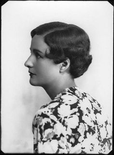 Nancy Mitford - a haute couture author and journo
