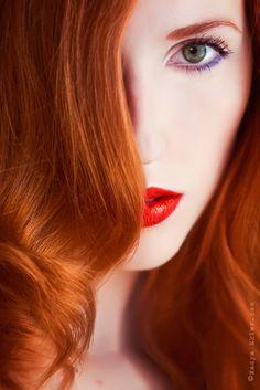 Red lips purple eyeliner