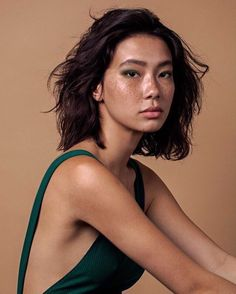 Reference -- Young, Asian woman. Pretty Face, Asian Hair Natural, Natural Girls, Natural Women, Natural Skin, Asian Freckles, Natural Dewy Makeup, Dewy Skin Makeup, Natural Beauty