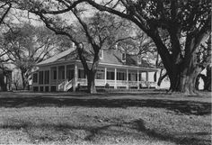 Inglewood Farm - Alexandria, LA...I really want a country home like this one day!