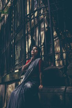 Shweta Tripathi shot in Colaba in the Backdrop of Iconic Buildings Like Elphinstone College and David Sasoon Library. Indian Photoshoot, Couple Photoshoot Poses, Saree Photoshoot, Photography Themes, Portrait Photography Poses, Photography Poses Women, Girl Photo Poses, Girl Poses, Photo Shoot