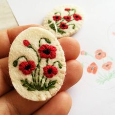 Creating new gorgeous poppy embroidered brooches and necklaces.. Work in progress... . #poppybrooch #poppynecklace #poppy #redpoppy #redpoppies #embroideredbrooch #embroiderednecklace #embroideredpoppy #handembroidery #dusicrafts #dusiembroidery #dusi
