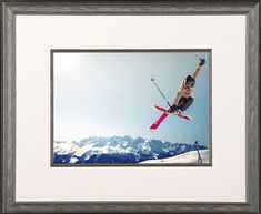 When you capture your perfect jump, you frame it! 🎿 . . #customframing #pictureframing #ski #memories #keepsake #photos #skiing #pictureperfect