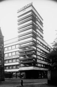 """Department Store""""Deutsches Beamten-Warenhaus"""" (1927) in Mannheim, Germany, by Fritz Nathan"""