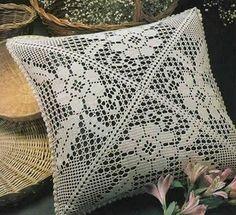 Crochet Pillow Patterns Part 3 - Beautiful Crochet Patterns and Knitting Patterns Filet Crochet, Beau Crochet, Crochet Motifs, Crochet Art, Crochet Squares, Crochet Home, Crochet Pillows, Crochet Pillow Patterns Free, Crochet Tablecloth