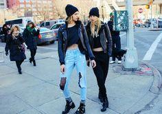 Os melhores looks de rua da NYFW . Visite o SimplesModa, um blog e revista de moda em Português.