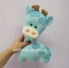 Baby Blue Giraffe in Felt Felt Crafts, Diy And Crafts, Arts And Crafts, Fabric Toys, Felt Fabric, Felt Giraffe, Felt Finger Puppets, Baby Sewing Projects, Felt Christmas Ornaments