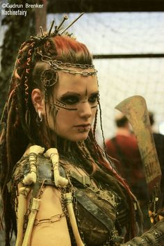 Pagan witch costume or Viking Maquillaje Halloween, Halloween Makeup, Viking Makeup, Vikings, Warrior Makeup, Warrior Outfit, Looks Halloween, Post Apocalyptic Fashion, Post Apocalyptic Clothing