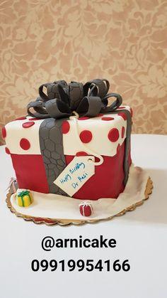 آرنی کیک: کیک جعبه هدیه با فیلینگ موز و گردو  وزن ۲۶۰۰ @arnicake   ۰۹۹۱۹۹۵۴۱۶۶ Cake Toronto, Desserts, Food, Tailgate Desserts, Deserts, Essen, Postres, Meals, Dessert
