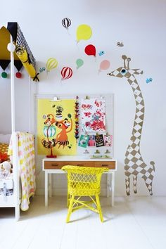 yellow chair and colorful desk corner for a childs room, lovely giraffe wall picture too Casa Kids, Colorful Desk, Kids Workspace, Deco Kids, Deco Design, Wall Design, Kid Spaces, Small Spaces, Kids Decor