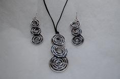 Parure bijoux fantaisie en fil aluminium noir et argenté : Parure ...