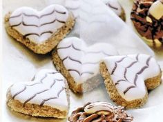 Cookies Recipes Discover our recipe for fine-tasting cappuccino hearts with a dash of am … Delicious Cake Recipes, Best Cookie Recipes, Yummy Cakes, Baking Recipes, Holiday Cakes, Christmas Desserts, Christmas Baking, Trifle Desserts, Dessert Recipes