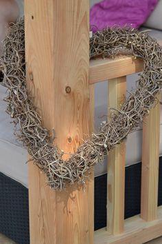 Decoratie hart, op maat te bestellen info@decotakken.nl kijk voor meer natuurlijke harten en kransen op www.decoratietakken.nl