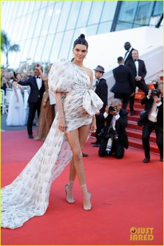 Kendall Jenner Makes Epic Entrance at Cannes Film Festival | kendall jenner cannes film festival 2017 01 - Photo