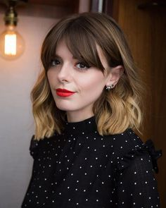 Best Long Bob Haircuts and Hairstyles for 2019 A long bob hairstyle, also known as a lob haircut, is one of the hottest haircuts and styles of the year. This modern style for long hair is quickly becoming a cool look for women. This season we b… Long Bob Haircuts, Haircuts With Bangs, Bob Hairstyles, Lob With Bangs, Ombre Bob With Bangs, Bob With Side Fringe, Wavy Bangs, Office Hairstyles, Anime Hairstyles