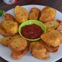 Yummy Snacks, Snack Recipes, Cooking Recipes, Yummy Food, Pancake Recipes, Tastemade Recipes, Malay Food, Dinner Rolls Recipe, Food Combining