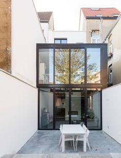 Image 7 of 19 from gallery of BEBO Renovation - Folding Box / sculp[IT]architects. Photograph by Luc Roymans Photography Home Interior Design, Interior And Exterior, Narrow House, Girl House, House Extensions, Glass House, Residential Architecture, Construction, Home Decor Inspiration