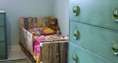Meble z palet - łóżko dla dziecka