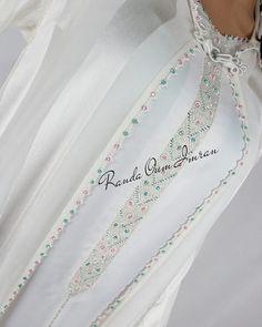 لابة عروسة بالراندة مبروك لمولاتو 😍😍 . للعمل والتواصل عبر الخاص او رقم واتساب . 00212629446269 نادية أم عمران Muslim Gown, Hand Embroidery Dress, Modest Wear, Caftan Dress, Punjabi Suits, Couture Collection, Hijab Fashion, Blouse Designs, Party Wear