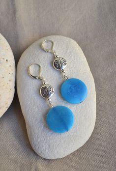 ⋆ Nouveau ⋆ Boucles d'oreilles bleue en ivoire végétal : Boucles d'oreille par libelula-crea