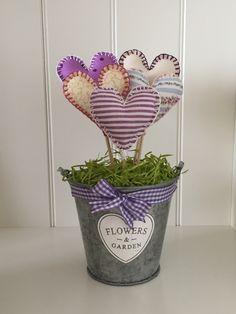 Love Story, Planter Pots, Garden, Flowers, Garten, Gardens, Lawn And Garden, Royal Icing Flowers, Flower