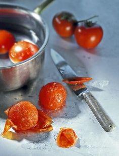 Enlever facilement la peau des fruits et légumes (30 secondes au micro-ondes)