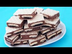 Prajitura in 10 minute cu foi de napolitana Romanian Desserts, No Cook Desserts, Cooking Recipes, Sweets, Make It Yourself, Healthy, Videos, Ethnic Recipes, Garden