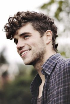 There are 30 Curly Mens Hairstyles 2014 - 2015 and these pictures so fresh and trendy. You should try these most attractive mens hairstyles. Curly Hairstyles For Boys, Mens Hairstyles 2014, Boys With Curly Hair, Curly Hair Cuts, Haircuts For Men, Curly Hair Styles, Men's Hairstyles, Hair Styles 2014, Grunge Hair