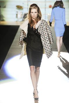 Baby, it's cold outside. LOVE. Dsquared2. Milan. Fall/Winter 2012 RTW. Follow pins and tweets @Giselle Ugarte