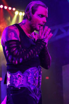 After his recent return to the ring, Jeff Hardy looks to further redeem himself this Sunday with a victory over Jeff Jarrett at Turning Point. Catch Wrestling, Wrestling Wwe, Wwe Lita, Hardy Brothers, Wwe Jeff Hardy, The Hardy Boyz, Losing My Best Friend, Wwe Wallpapers, Iphone Wallpapers