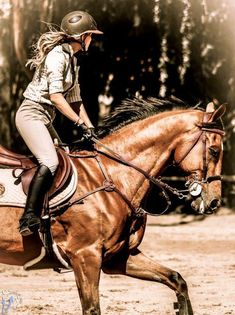 Being an good equestrian means that you listen to the horse and work with him. Stunning ♥
