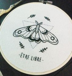 Hand Embroidery Art, Hand Embroidery Videos, Simple Embroidery, Embroidery Techniques, Cross Stitch Embroidery, Embroidery Patterns, Needlework, Hobbies, Clothes