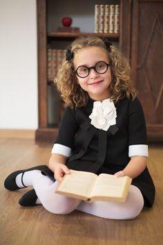 Simonetta back to school 2016 collection - Fannice Kids Fashion Young Girl Fashion, Kids Fashion Blog, Kids Winter Fashion, School Uniform Girls, Girls School, School Uniforms, Little Girl Dresses, Flower Girl Dresses, Girls Dresses
